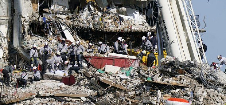 Building-Collapse-Miami-Lynne-Sladky-AP